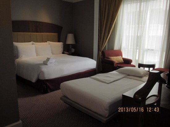 bangkok marriott executive apartments master room with extra bed