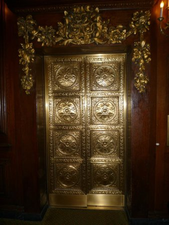 Omni Parker House: Lift Doors
