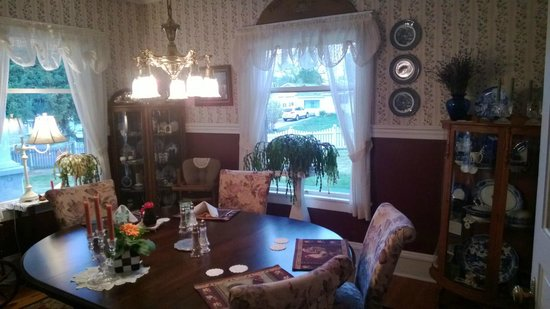 1910 Historic Enterprise House Bed & Breakfast: Breakfast & Tea Room