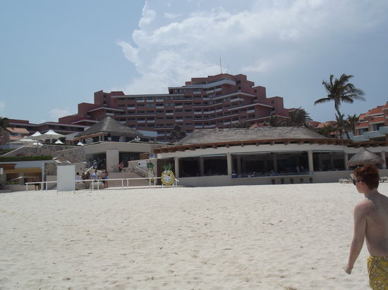 Omni Cancun Hotel & Villas: Bad back view of Omni