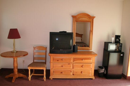 Green Lake, WI: All rooms have Cable TV, Microwave, Coffee, Frig