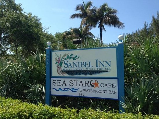 Sanibel Inn Entrance