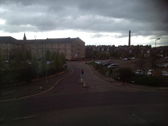 Premier Inn Edinburgh City Centre - Haymarket: View from front