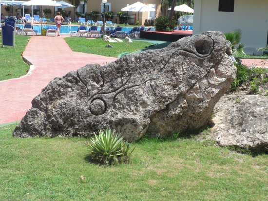 Hotel Be Live Las Morlas: Rock sculpture