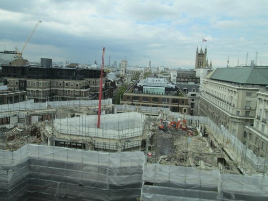 Doubletree by Hilton Hotel London - Westminster: The building site next door