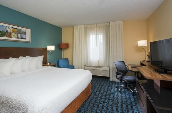 Naperville, IL: New King Rooms!