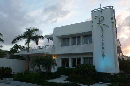 The Royal Palms Resort & Spa: Resort exterior at sunset