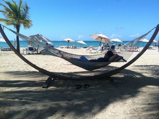 Courtyard by Marriott Isla Verde Beach Resort: jenn relaxing on the hotels hammocks