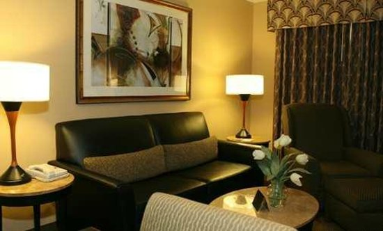 Homewood Suites by Hilton San Jose-Silicon Valley: Homewood San Jose Airport hotel living area