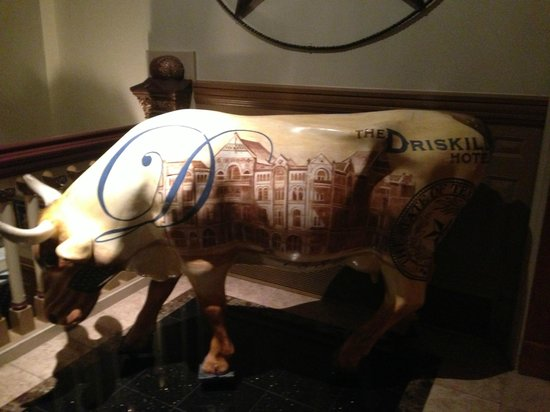 The Driskill: Bull from the lobby area
