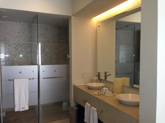 Marival Residences & World Spa: Other bathroom