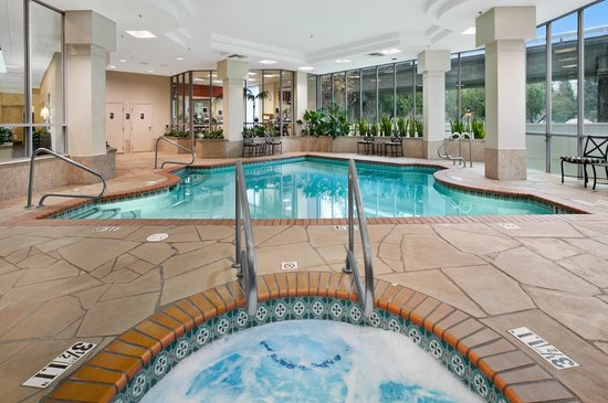 Walnut Creek, CA: Indoor Pool and Hot Tub