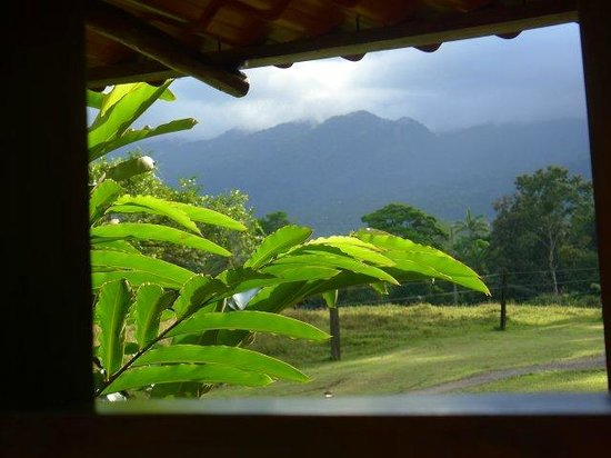 Rincon de La Vieja, Costa Rica: green and mountains