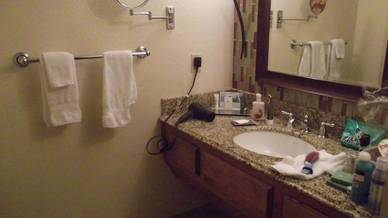 Pointe Hilton Squaw Peak Resort: bathroom
