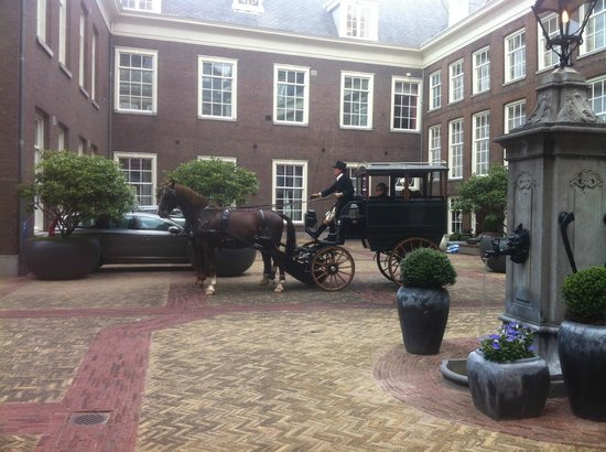 Sofitel Legend The Grand Amsterdam: Beautiful Entrance