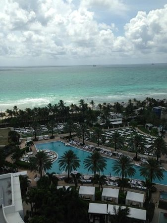 Fontainebleau Miami Beach: view from 14th fl oceanfront chateau tower