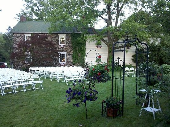 Battlefield Bed and Breakfast Inn: Historic 1809 Civil War Farmhouse