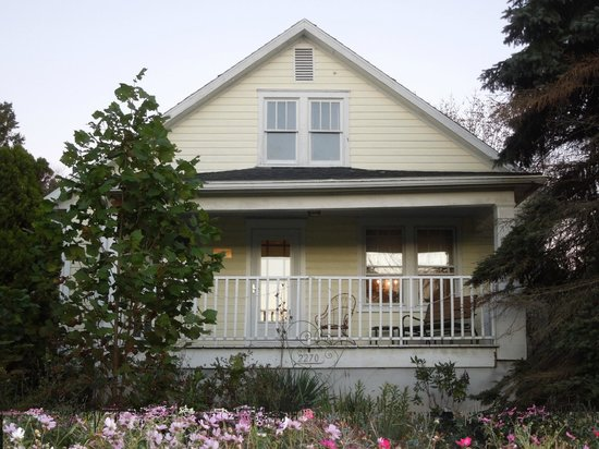 Battlefield Bed and Breakfast Inn: Swan Cottage is our private family or honeymoon cottage