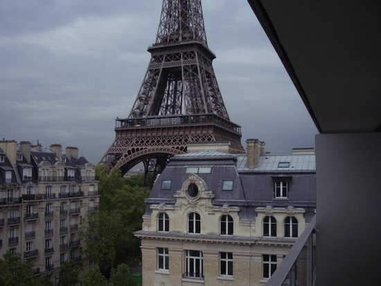 Pullman Paris Tour Eiffel: View from Eiffel Tower View room 719
