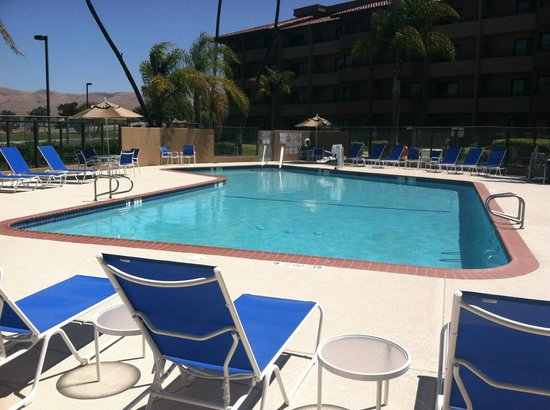 Santa Maria, CA: Updated Pool & Hot tube