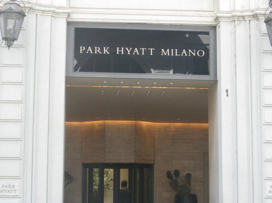 Park Hyatt Milan: Entrance