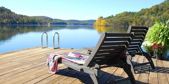 Beaver Lakefront Cabins: A view from the sun deck of our boat dock.