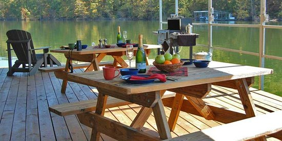 Beaver Lakefront Cabins: Enjoy a picnic lunch on our floating picnic area.