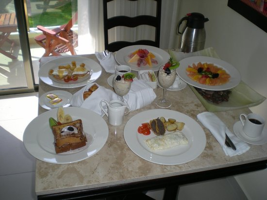 El Dorado Royale, a Spa Resort by Karisma: room service breakfast