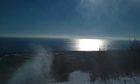 Lutsen, Μινεσότα: view from challet at on one of the runs