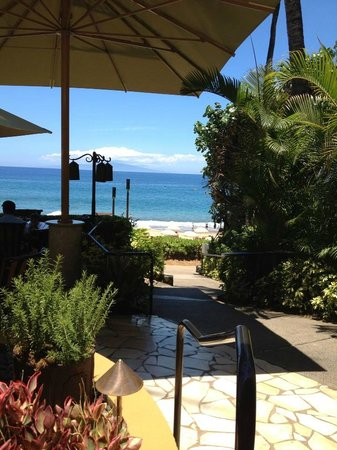 Four Seasons Resort Maui at Wailea: View of the ocean from Ferraro's