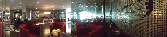 Riviera Resort & Spa, Palm Springs: Panoramic Shot of Rat Pack Lounging Space
