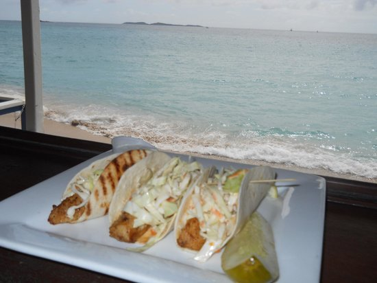 Marriott Frenchman's Reef & Morning Star Beach Resort: Mahi Mahi tacos on the beach