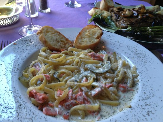Mahone Bay, Kanada: Smoked Salmon Linguine