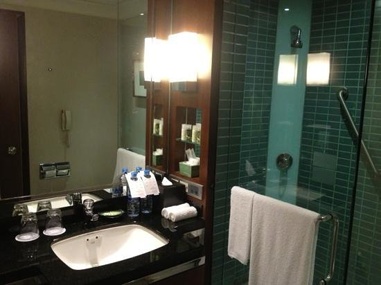 The Westin Grande Sukhumvit, Bangkok : Deluxe Bathroom