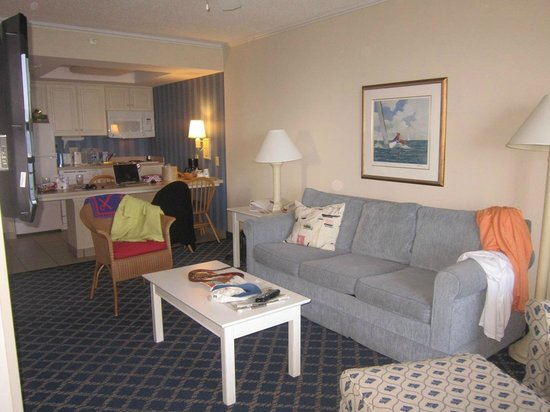 Hampton Inn &amp; Suites Myrtle Beach Oceanfront Resort: room
