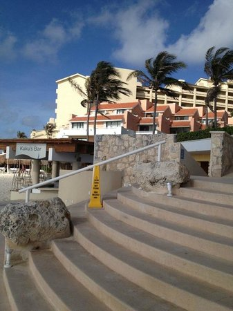 Omni Cancun Hotel & Villas: BEACH