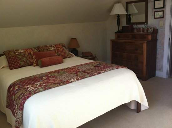 Red Clover Inn & Restaurant: Emma's room