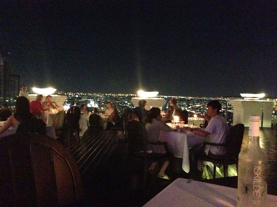 lebua at State Tower: Beautiful breeze restaurant