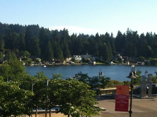 Lake Oswego, OR: View Outside Dining