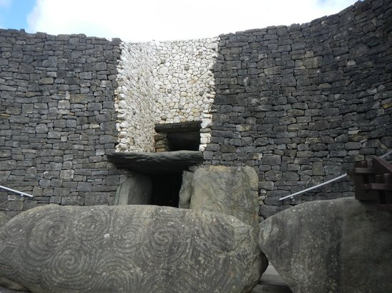 County Meath, Ireland: Newgrange