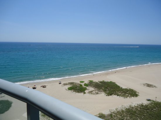 Residence Inn by Marriott Fort Lauderdale Pompano Beach/Oceanfront: Balcony