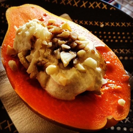 Pahoa, HI: Papaya Boat with Banana & Coconut Cream