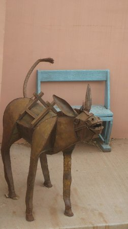 Winslow, AZ: sculpture