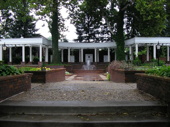 Gerald R Ford Birthsite And Gardens Omaha Ne Hours