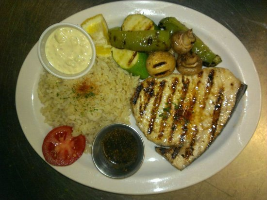 Atascadero, Kaliforniya: Grille Sea Bass