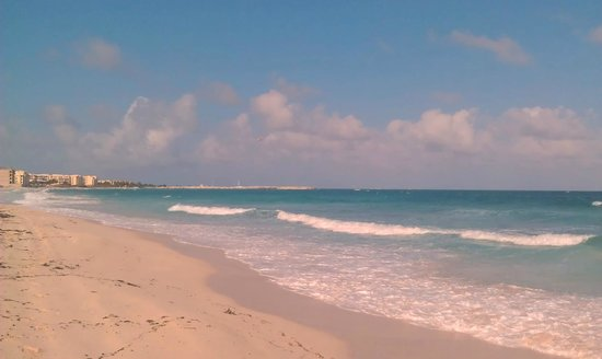 Now Jade Riviera Cancun Resort & Spa: The beach.