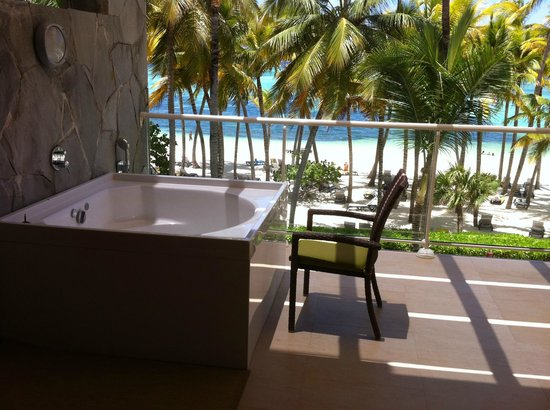 Barcelo Bavaro Palace Deluxe: Hot tub on balcony.  Master Suite Ocean Front Club Premium.  Building 6, 3rd floor.