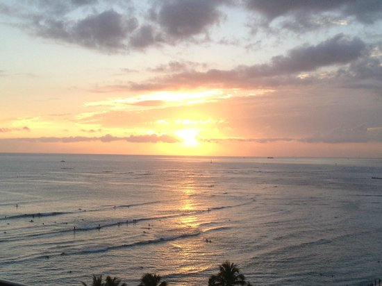 Aston Waikiki Circle Hotel: Sunset from room