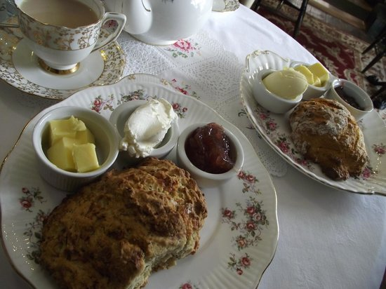Pembridge, UK: Perfection on a plate - and in a tea cup!