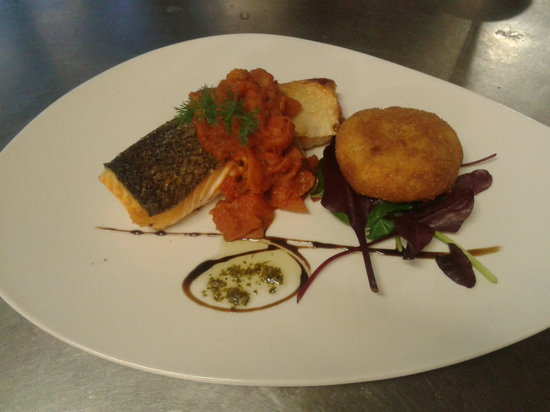 Wakefield, UK: Salmon two ways, with tomato fondue